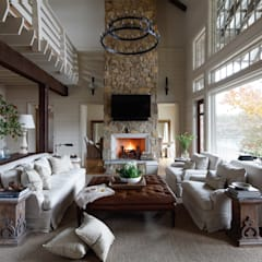 Lakefront Retreat:  Living room by Christopher Architecture & Interiors