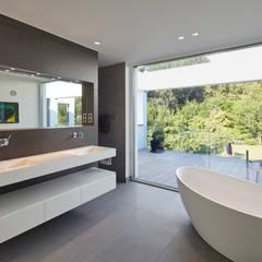 Villa S.:  Badezimmer von Lioba Schneider