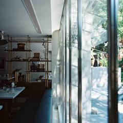 Oyster Bar by Fujin Tree:  酒吧&夜店 by 鄭士傑室內設計