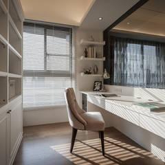 مكتب عمل أو دراسة تنفيذ 你你空間設計, كلاسيكي الخشب هندسيا Transparent