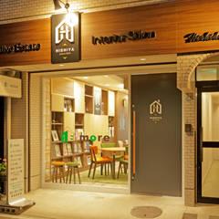 住まいの可能性を知るサロン&ショールーム: 株式会社Juju INTERIOR DESIGNSが手掛けたオフィススペース&店です。