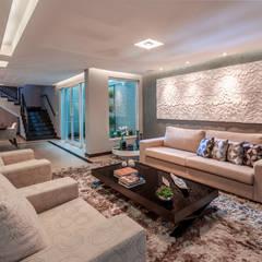 minimalistische Wohnzimmer von Das Haus Interiores - by Sueli Leite & Eliana Freitas
