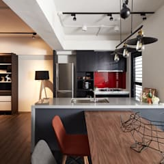 訂製溫暖工業宅,成就單身男子的自在空間:  餐廳 by 合觀設計
