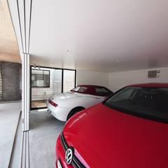 Dubbele garage door イシウエヨシヒロ建築設計事務所 YIA