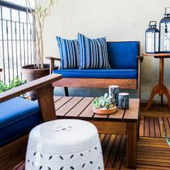 Terrace by CasaQuadrada Arquitetura e Interiores