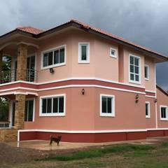 Houses by หจก.เครือรุ่งโรจ