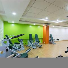 Ruang Fitness oleh ABHISHEK DANI DESIGN, Modern