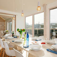 Treasure House, Polzeath | Cornwall:  Dining room by Perfect Stays, Rustic