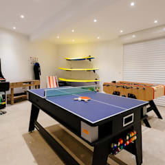 Nursery/kid's room by Perfect Stays,
