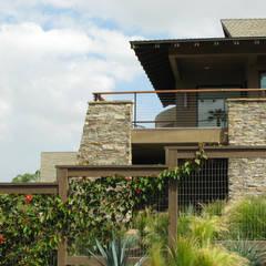 Island Style Tropical :  Garden by Debora Carl Landscape Design , Tropical
