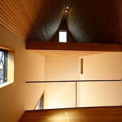 Corridor & hallway by すわ製作所