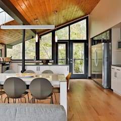 West Hawk Lake Interior: modern Dining room by Unit 7 Architecture