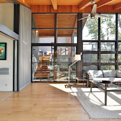 West hawk Lake Cottage:  Conservatory by Unit 7 Architecture,