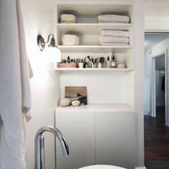 Badezimmer von Unit 7 Architecture, Modern