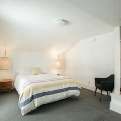 SV Modern Bedroom: modern Bedroom by Unit 7 Architecture
