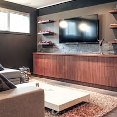 Industrial style media room by Unit 7 Architecture Industrial