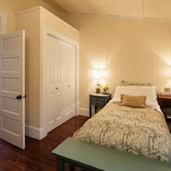 Manning Cottage :  Bedroom by Unit 7 Architecture,