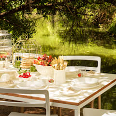 table settings:  Houses by Deborah Garth Interior Design