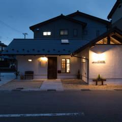 美容院: 伊田直樹建築設計事務所が手掛けた商業空間です。