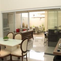 غرفة السفرة تنفيذ Paula Ferro Arquitetura