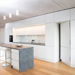 Kitchen by Beilstein Innenarchitektur,