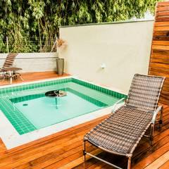 Tropical style spa by Bianca Ferreira Arquitetura e Interiores Tropical Ceramic