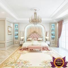 Beautiful bedroom Interior of Katrina Antonovich:  Bedroom by Luxury Antonovich Design,