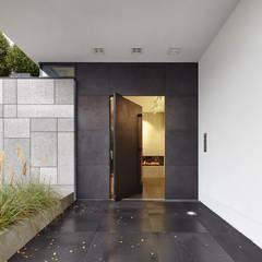 Einladener Eingangsbereich:  Flur & Diele von Lioba Schneider
