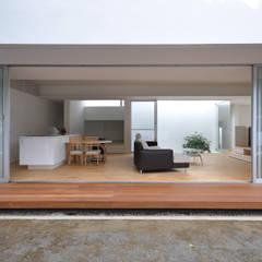 IGW-HOUSE: 門一級建築士事務所が手掛けたテラス・ベランダです。