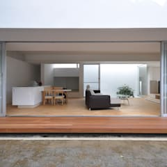 IGW-HOUSE: 門一級建築士事務所が手掛けたベランダです。