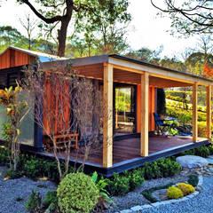 Terrace by FAMWOOD 自然紅屋
