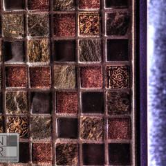 Glas/Schiefer/Natursteinmosaik:  Schlafzimmer von Stefan Necker BadRaumKonzepte