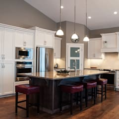 Rockyview Acerage:  Kitchen by Drafting Your Design