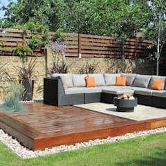 Outdoor garden lounge:  Garden by Christine Wilkie Garden Design