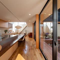 Dining Room: STaD(株式会社鈴木貴博建築設計事務所)が手掛けたダイニングです。