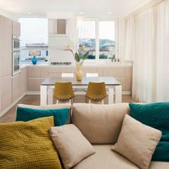Casa N+V Cucina moderna di manuarino architettura design comunicazione Moderno