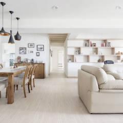 Living room by 唯創空間設計公司,