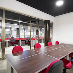 """""""Proyecto PE31"""": Salas multimedia de estilo industrial por PORTO Arquitectura + Diseño de Interiores"""