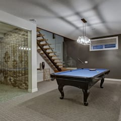 53 Paintbrush Park:  Media room by Sonata Design,
