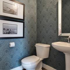 427 Canals:  Bathroom by Sonata Design
