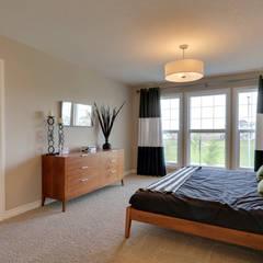 121 Hillcrest Drive:  Bedroom by Sonata Design,Modern