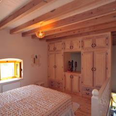 mediterrane Schlafzimmer von Ebru Erol Mimarlık Atölyesi