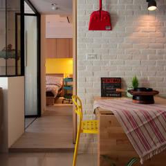 Ruang Makan Gaya Skandinavia Oleh 一葉藍朵設計家飾所 A Lentil Design Skandinavia