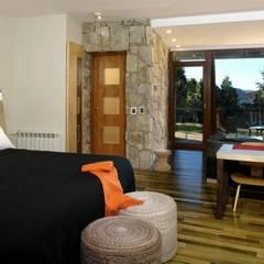Hotel Rochester: Dormitorios de estilo moderno por Sidoni&Asoc