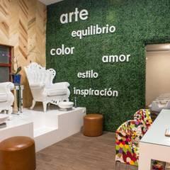 : Clínicas / Consultorios Médicos de estilo  por TAMEN arquitectura