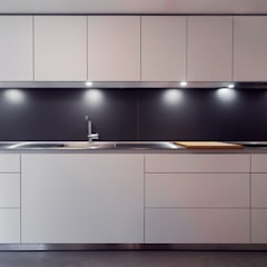 Extension & House Renovation SW18 - London:  Kitchen by Diamond Constructions Ltd