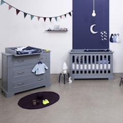 Grey Cot & Chest:  Baby room by Funique Furniture