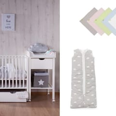 Baby Changing:  Baby room by Funique Furniture