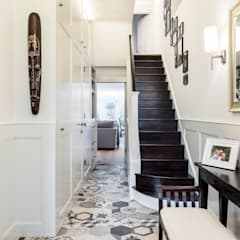 Abbeville Road:  Corridor & hallway by Orchestrate Design and Build Ltd., Modern