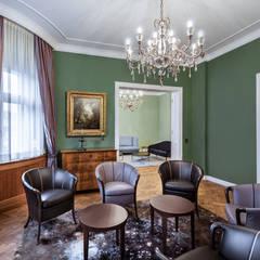 Wohnung in Berlin:  Wohnzimmer von AAB Die Raumkultur GmbH & Co. KG
